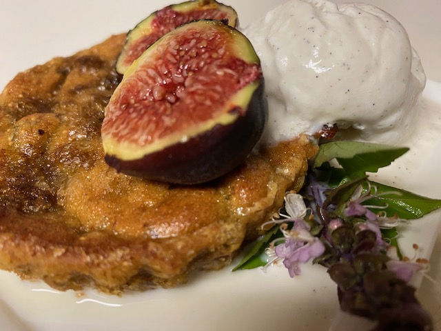 Fig Cake with Almonds and Cinnamon Basil